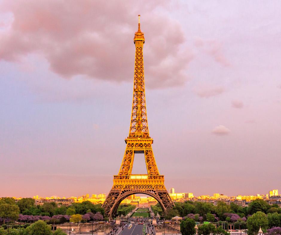 Enlaces y Direcciones de interés/ Imagen torre Eiffel